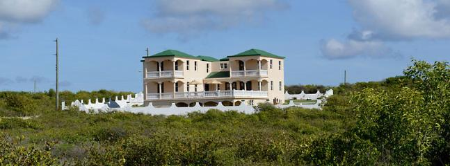 Villa Ocean Gem AVAILABLE CHRISTMAS & NEW YEARS: Anguilla Villa 123 Nestled On A Hill Overlooking The South East Coast Of Anguilla, The Caribbean Sea And The Mountains Of St. Martin. - The Farrington vacation rentals
