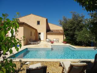 3 bedroom Gite with Internet Access in Rognes - Rognes vacation rentals