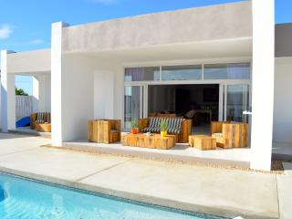 Zentasea Private Villa and Pool with Ocean View! - Noord vacation rentals