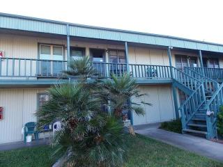 Palm Isle, 1 bedroom condo 2 blocks from the beach - Port Aransas vacation rentals