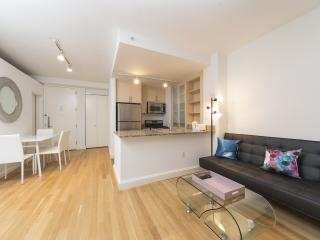 17E-Fully Furnished 3Bedrooms in a Full Service Bu - New York City vacation rentals