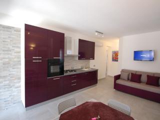 VILLA SALURT BEACH 250 MT - Campofelice di Roccella vacation rentals
