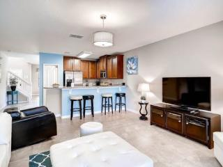 5 bedroom 3 King Master Suites, Pool, Spa and Movie Theatre. 1038CPB - Orlando vacation rentals
