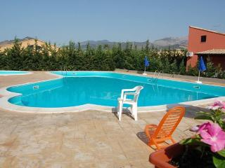 VILLA LILIA SWIMMING POOL, BEACH - Campofelice di Roccella vacation rentals
