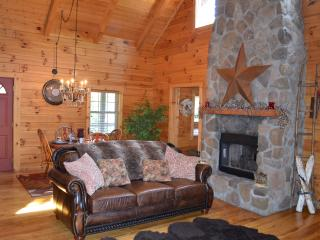 Hocking Hills Dreamscape Hideaway - Logan vacation rentals