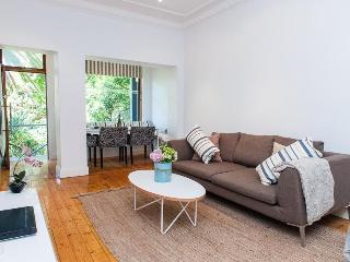 Bright 2 bedroom House in Bronte - Bronte vacation rentals