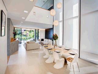 PURE INDULGENCE - Bondi vacation rentals