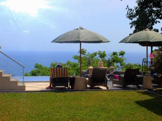 Sea-View Room in Luxurious Villa (with Double Bed) - Senggigi vacation rentals