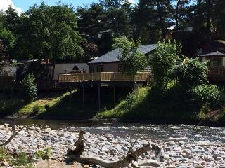 CAP d'AIL HOLIDAY LODGE with riverside location - Blair Atholl vacation rentals