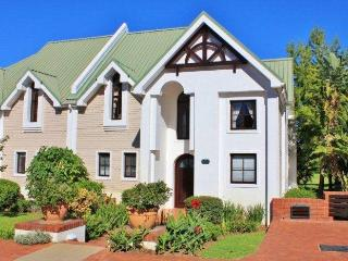 Fancourt Holiday Golf - George vacation rentals