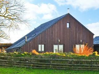 WHITETOR FARM: MEADER, detached barn conversion, woodburner, enclosed lawned - Tavistock vacation rentals