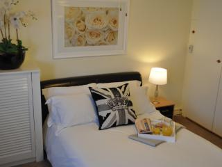 Great Studio - Sleeps4 - Amazing Location - London vacation rentals