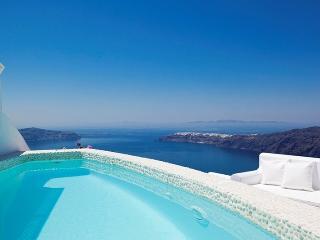 Above Blue Villa-Temple of luxury in Santorini - Santorini vacation rentals