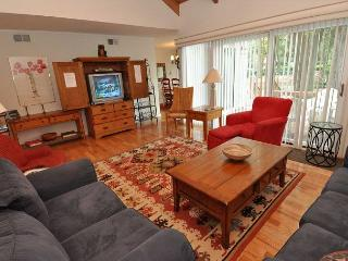 213 Twin Oaks - Close to the pool & Harbour Town! - Bluffton vacation rentals