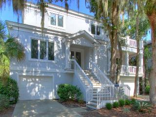 1 Kingfisher -  25 Yards to the Beach and Beautiful! 4/4 WEEK $500 DISCOUNT - Hilton Head vacation rentals