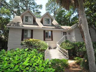 169 Mooring Buoy - 5th Row Low Country Beach Home w/ Pool & Spa - Hilton Head vacation rentals