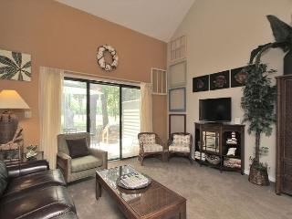 198 Greens - 7 minutes walk to the beach. Cute 1 Bedroom Townhouse - Hilton Head vacation rentals