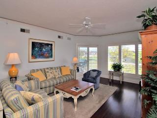 4501 Windsor Court North -Pretty 5th Floor Oceanview, 2 bedrooms.  Sleeps 7 - Hilton Head vacation rentals