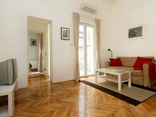 One bedroom apartment near center and metro - Budapest vacation rentals