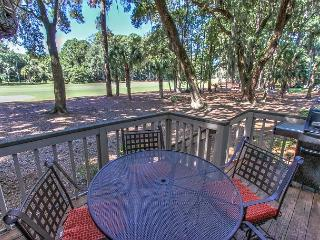 34 Muirfield. Quick walk to all Harbour Town has to offer - Hilton Head vacation rentals