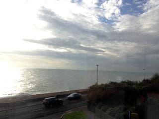 Sandgate Kent 2 bed apartment with sea views - Sandgate vacation rentals