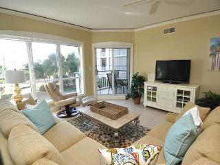 4102 Windsor Court - Beautiful !!!  Sunny & Bright 1st Floor Oceanview Villa. - Hilton Head vacation rentals