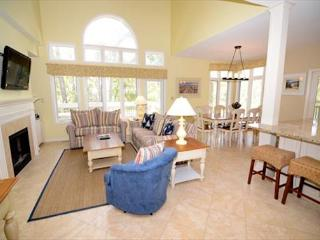 7636 Huntington-Heated Pool/Spa March & April, 5 Bedrooms- Beautiful! - Hilton Head vacation rentals