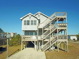 Bright 4 bedroom Kitty Hawk House with Deck - Kitty Hawk vacation rentals