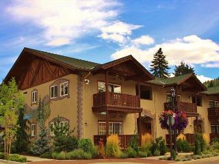 Bavarian Mountain Suite, luxurious downtown Leavenworth condo w/Wi-Fi - Leavenworth vacation rentals