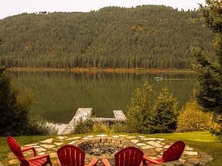 Bears Den, Fish Lake, Private Dock  Outdoor firepit. 25 mins from Leavenworth - Leavenworth vacation rentals