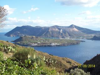relax tra vulcani attivi - Lipari vacation rentals