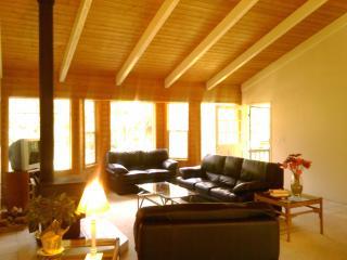 Breeze of Paradise 2 Bedroom Home in Volcano! - Volcano vacation rentals