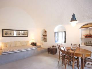 Nice House with Internet Access and Outdoor Dining Area - Oia vacation rentals