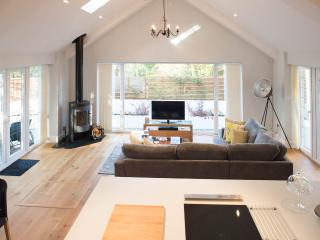 The Garden Cottage - Bournemouth vacation rentals