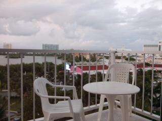 Confortable Beach Front Apartment - Cancun vacation rentals