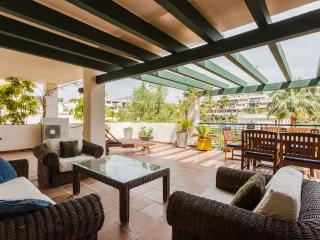 Spanish apartment in a Puerto Banus residence - Malaga vacation rentals