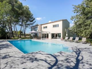Modern country house in Aix-en-provence - Puyricard vacation rentals