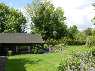 Luxury chalet in beautiful gardens - Gerrards Cross vacation rentals