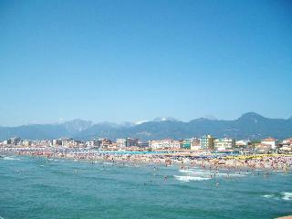 Vista Mare - Lido di Camaiore - Tuscany Coast - Lido Di Camaiore vacation rentals