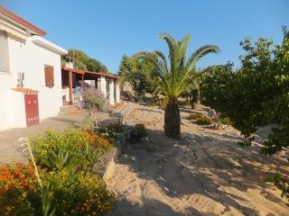 Calasetta Villa a 200 metri dalla spiaggia - Calasetta vacation rentals