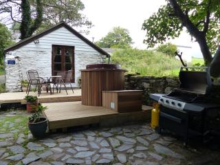 Beautiful Cottage with Internet Access and Hot Tub - Isle of Man vacation rentals