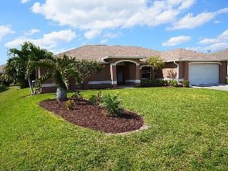 Parker Villa - Cape Coral 3b/2ba Offwater Home, Electric Heated Pool, WHS Internet, - Cape Coral vacation rentals