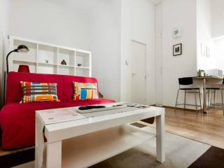 Cozy apartment minutes from city center and metro - Budapest vacation rentals
