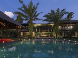 Stunning 4 Bedroom Villa in Canggu - Image 1 - Canggu - rentals