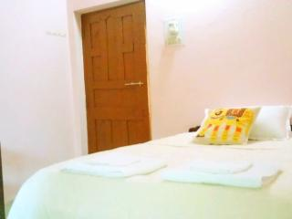 The chill-out house (Arambol beach) - Arambol vacation rentals