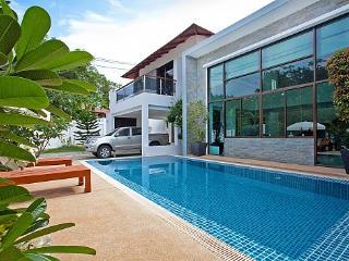 Chalong Sunshine Villa - Chalong vacation rentals