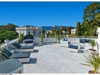 Luxury penthouse for 6 pers with seaview - Cannes vacation rentals