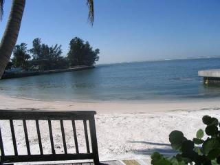 Gulf Beach, Pool  And Walk To Siesta Key Village - Sarasota vacation rentals