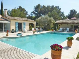 Domaine du Gourganon ~ RA28508 - Le Beausset vacation rentals
