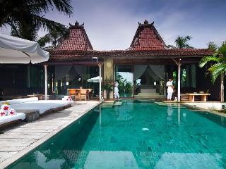 Shalimar: Cantik, Lux 2BR Beachfront Villa, Canggu - Canggu vacation rentals